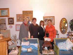 (L to R) Karen McHugh, Diamond 'Lil' Williams, Teri Marquart, and Marilyn Schaab.