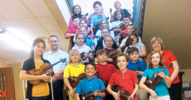 "WAYNEDALE ELEMENTARY'S CLUB ""O"" PRESENTS RECITAL"