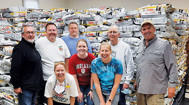 40,000 POUNDS OF PET FOOD DONATED TO HELP FAMILIES IN NEED